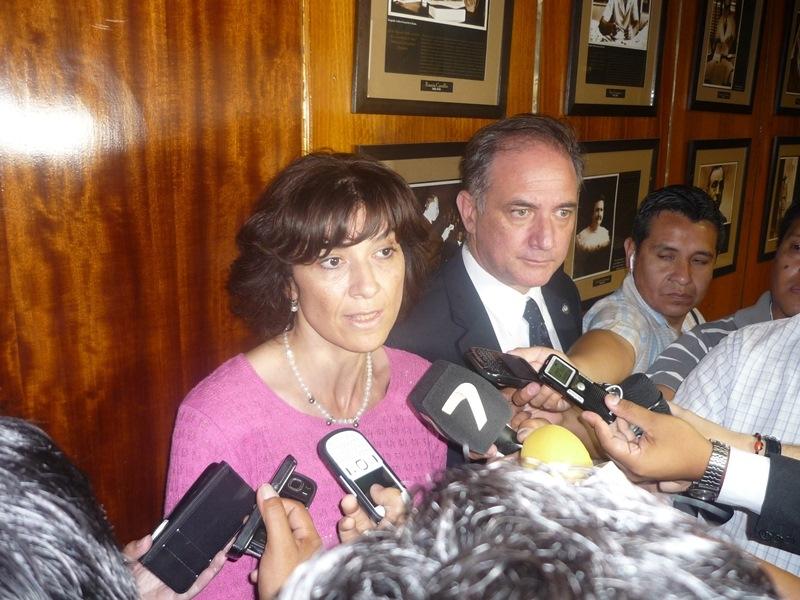 la-ministra-gelmetti-junto-al-secretario-pereira-roza_13910